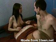 Novinha fazendo sexo violento