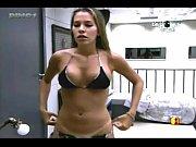 BBB 11 Cena com Adriana Muito Gostosa Ajeitando o Biquíni