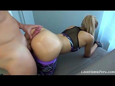 Porno com Instrutor Fodendo a Aluna Gostosa na Academia