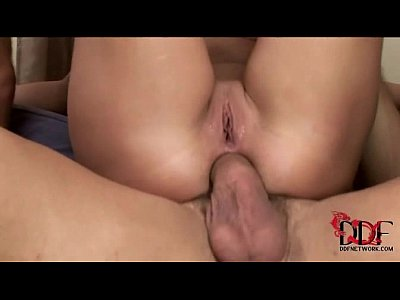 Suruba com uma Puta Deliciosa e Mega Safada