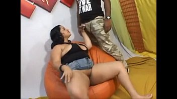 Sexo porno com uma gordinha brasileira