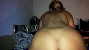Dona de casa grava video de sexo caseiro