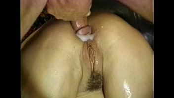Prostituta gostosa faz sexo selvagem e leva gozada no cu