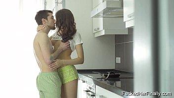 Video de sexo com uma bela novinha