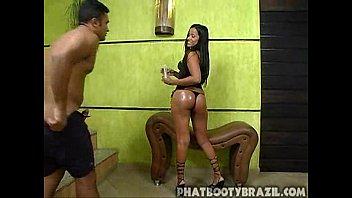 Brasileira rabuda e gostosa em um filme porno completo