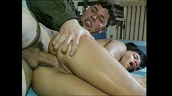 Sexo anal selvagem com uma profissional do sexo