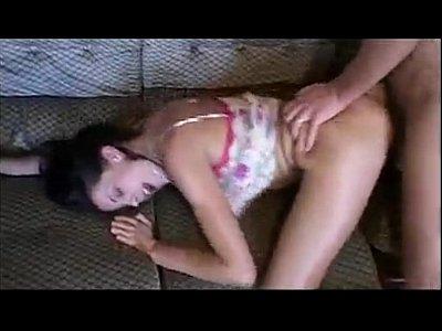 Porno amador com uma esposa infiel rebolando gostoso no amante