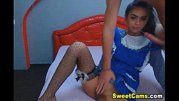 Menina gostosinha na webcam fazendo boquete e transando