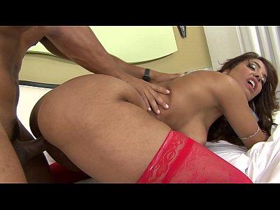 Mulher fazendo sexo com homem