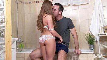 Porno incesto com a irmanzinha deliciosa