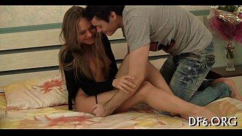 Primeiro vídeo porno da novinha lisinha