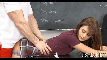 Sexo entre aluna novinha e professor