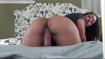 Porno vídeo amador com homem gozando na xoxota da esposa gostosa