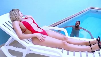 Beldade loira de 37 anos fazendo sexo gostoso em filme completo