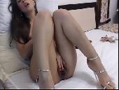 Amadora tocando siririca gostosa e tendo orgasmo em vídeo sexo