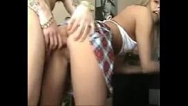 Comendo o toba da prostituta loirinha e gravando vídeo amador de anal