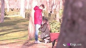 Vídeo de sexo em publico com novinha dando gostoso