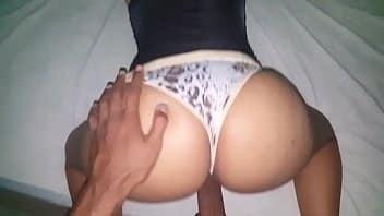 Porno real com taxista socando na gostosa para receber