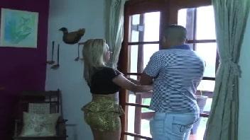 Brasileira loira faz chupeta e mete gostoso até gozar muito