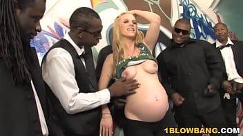 Xvideos gravida na suruba com negões pirocudos