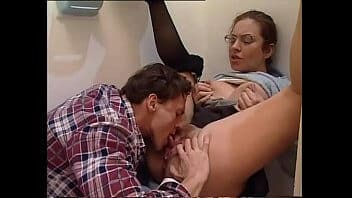 Video porno antigo nerd fudendo